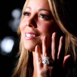 Mariah Carey piano