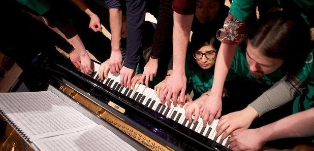 Many Piano Players