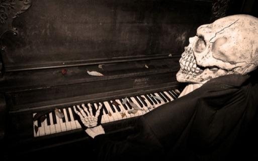 Skeleton Piano